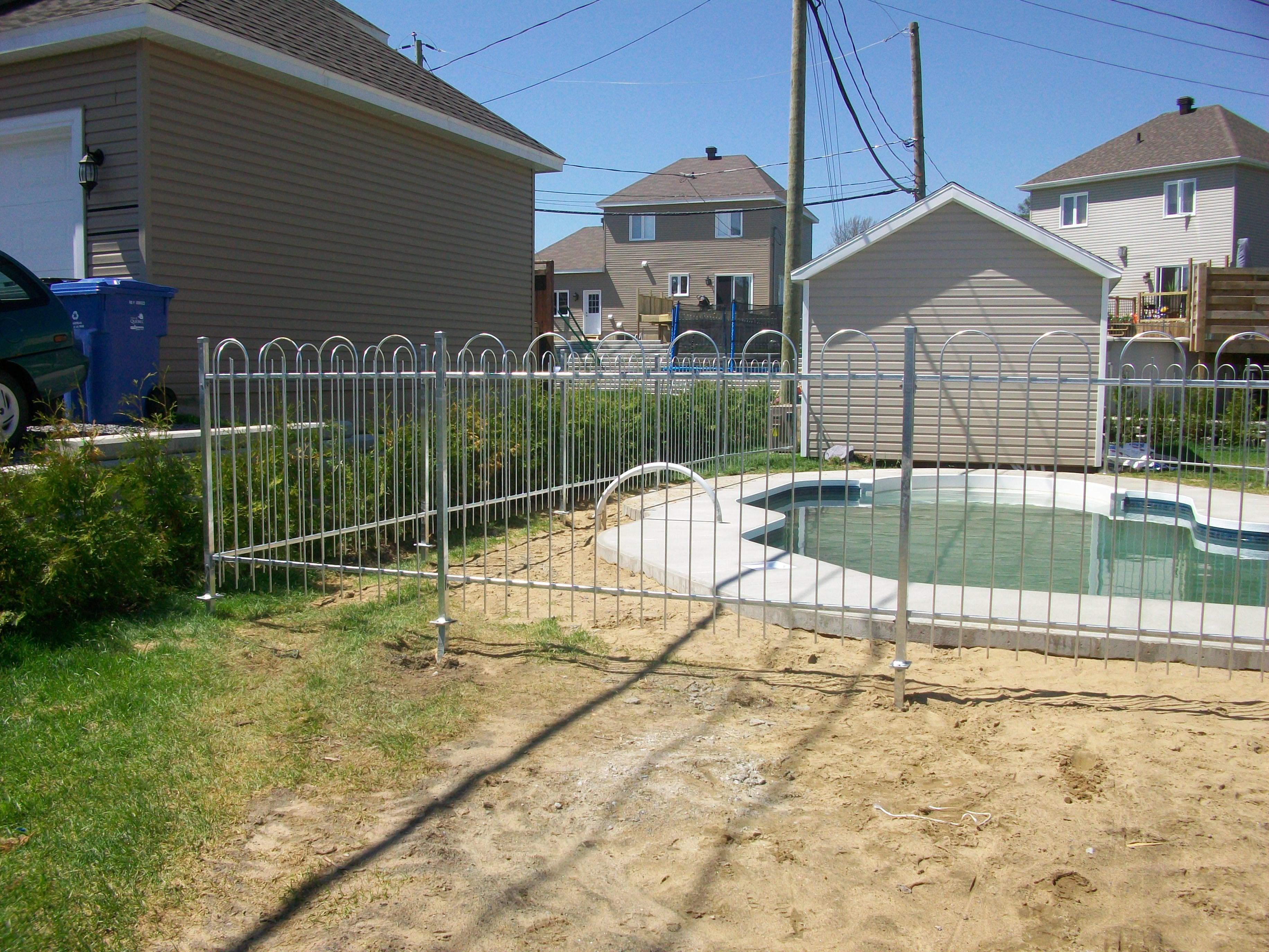 Cl ture de piscine s curitaire qu bec for Cloture amovible piscine quebec